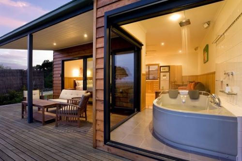 Coastal View Cabins - Accommodation Whitsundays
