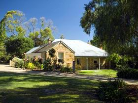 Evelyn Homestead - Accommodation Whitsundays