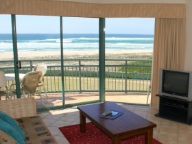 Currumbin Sands Holiday Apartments - Accommodation Whitsundays