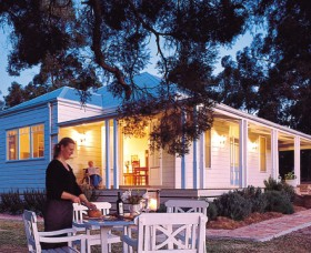 Lillians On Lovedale - Accommodation Whitsundays