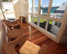 Sugarloaf Point Lighthouse Holiday Accommodation - Accommodation Whitsundays