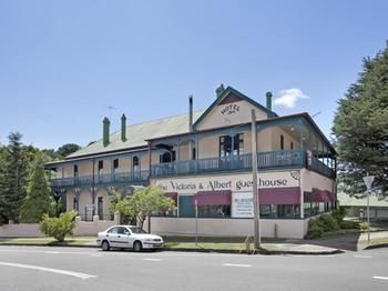 The Victoria amp Albert Guesthouse - Accommodation Whitsundays