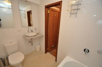 Camperdown 21 Brigs Furnished Apartment - Accommodation Whitsundays