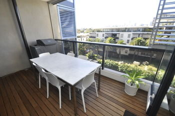 Camperdown 608 St Furnished Apartment - Accommodation Whitsundays