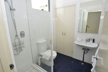 Camperdown 7 Dun Furnished Apartment - Accommodation Whitsundays