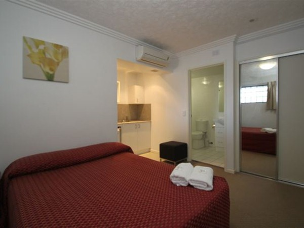 Southern Cross Motel and Serviced Apartments - Accommodation Whitsundays