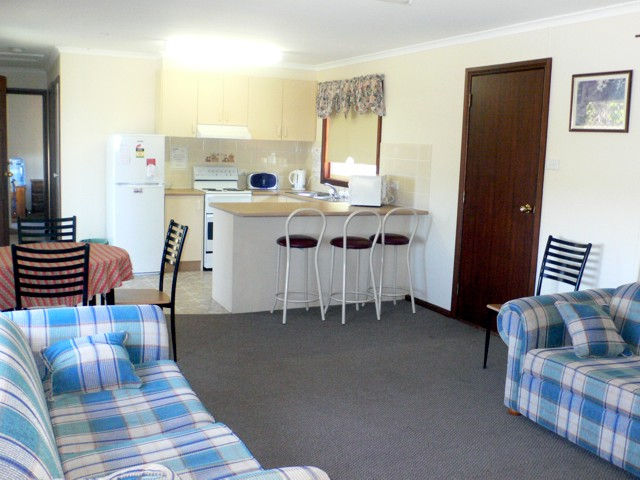 Back O' Bourke Accommodation - Accommodation Whitsundays