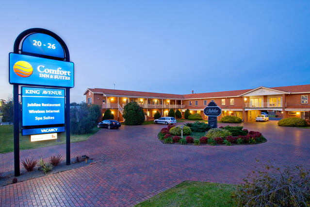 Comfort Inn  Suites King Avenue - Accommodation Whitsundays