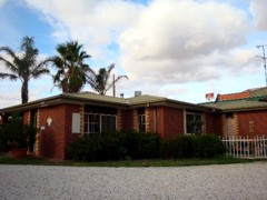 Foundry Palms Motel - Accommodation Whitsundays