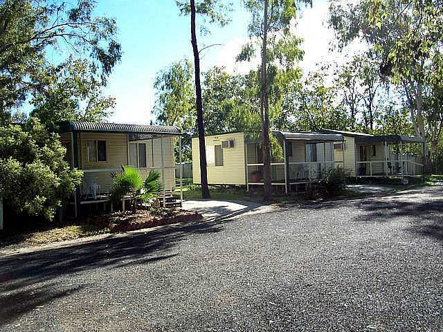Highway Tourist Village - Accommodation Whitsundays
