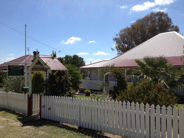 Tenterfield Luxury Historic c1895 Cottage - Accommodation Whitsundays