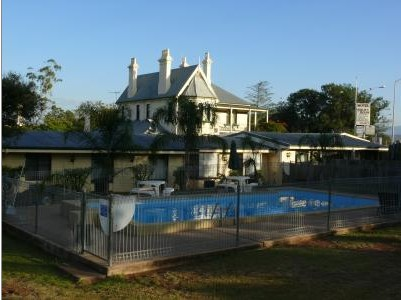 Airlie House Motor Inn - Accommodation Whitsundays