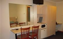 Tudor Inn Motel - Hamilton - Accommodation Whitsundays