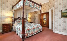 The Old George and Dragon Guesthouse - - Accommodation Whitsundays