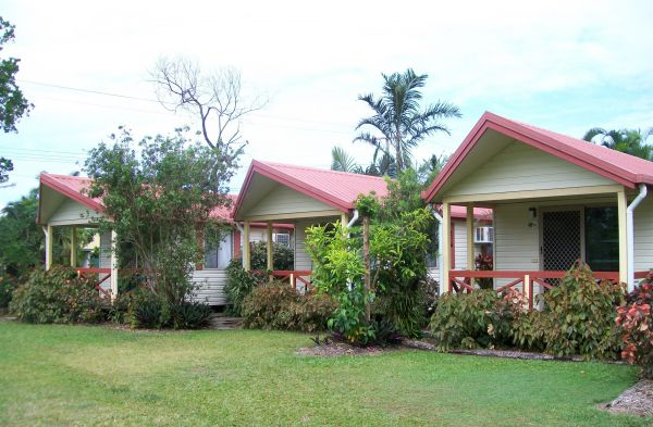 Flying Fish Point Tourist Park - Accommodation Whitsundays