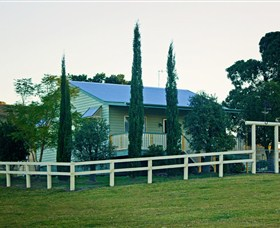Milford Country Cottages - Accommodation Whitsundays