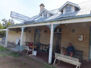 Marshall McMahon Inn - Accommodation Whitsundays