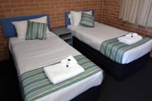The Oaks Hotel Motel  - Accommodation Whitsundays