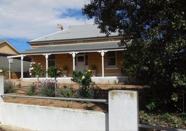Book Keepers Cottage Waikerie - Accommodation Whitsundays