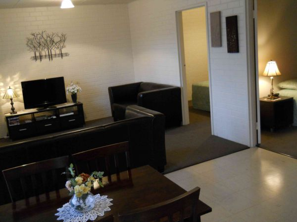 BJs Short Stay Apartments - Accommodation Whitsundays