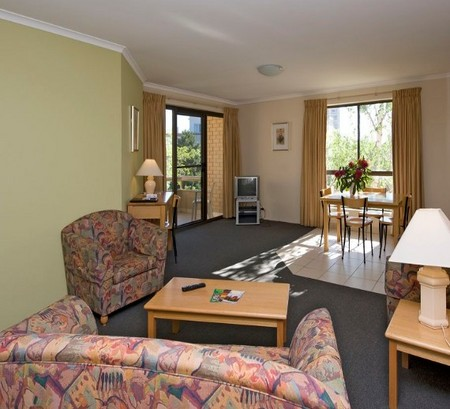 Kingston Court Serviced Apartments - Accommodation Whitsundays