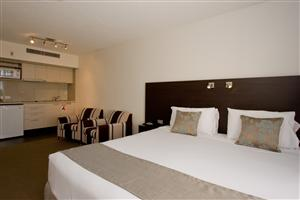 St Ives Motel Apartments - Accommodation Whitsundays