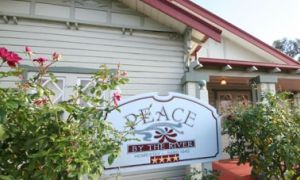 Peace By The River Homestay - Accommodation Whitsundays