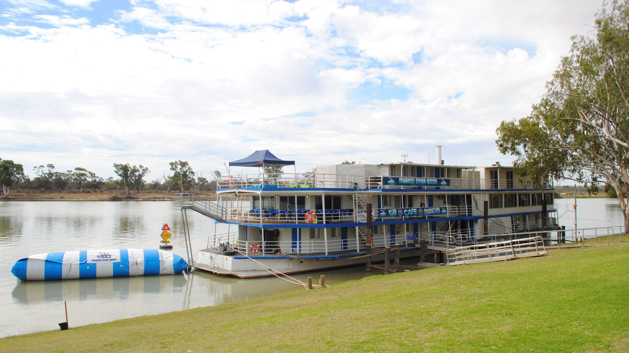 Murray River Queen Backpackers - Accommodation Whitsundays