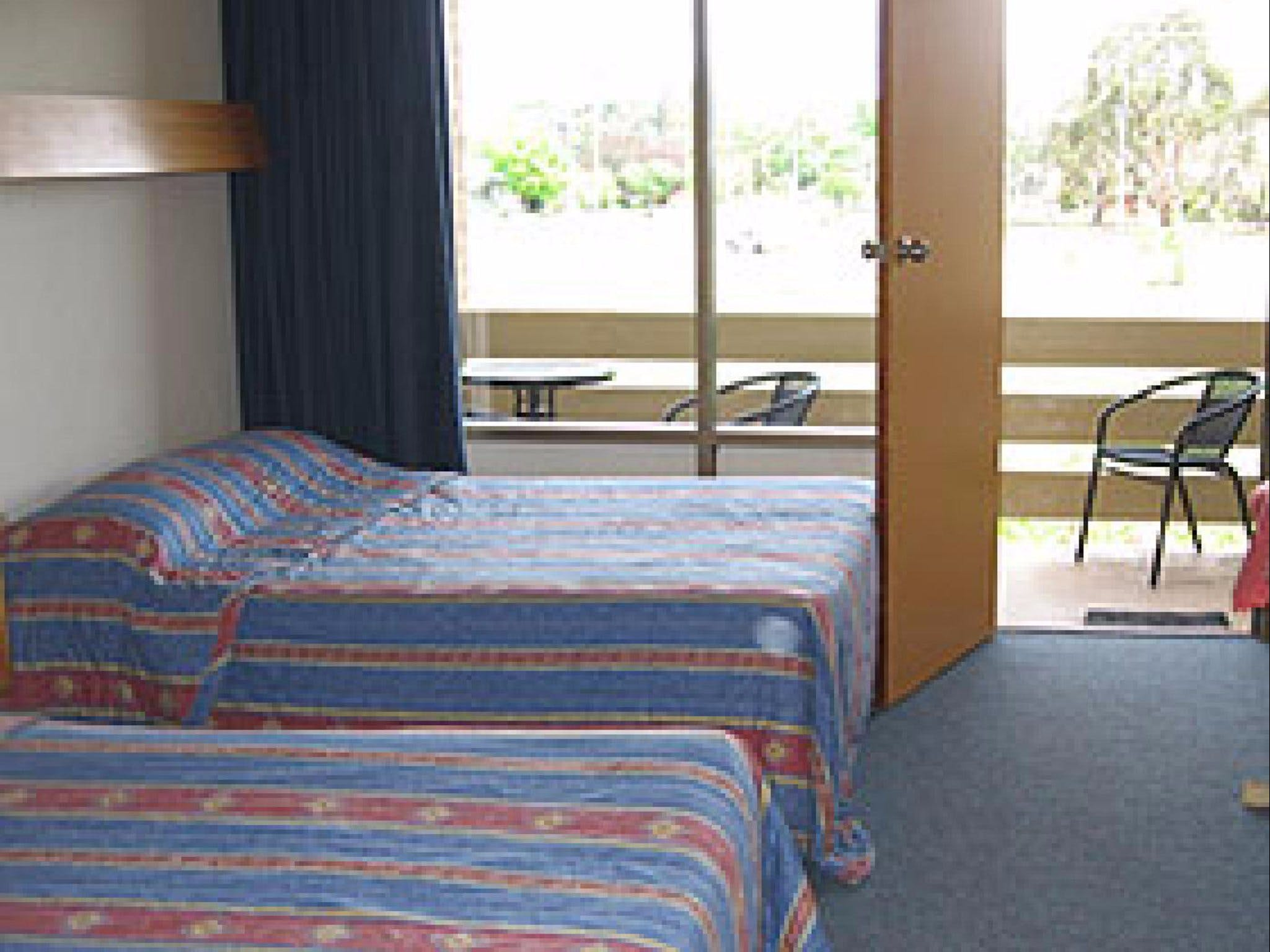 Red Cedars Motel - Accommodation Whitsundays