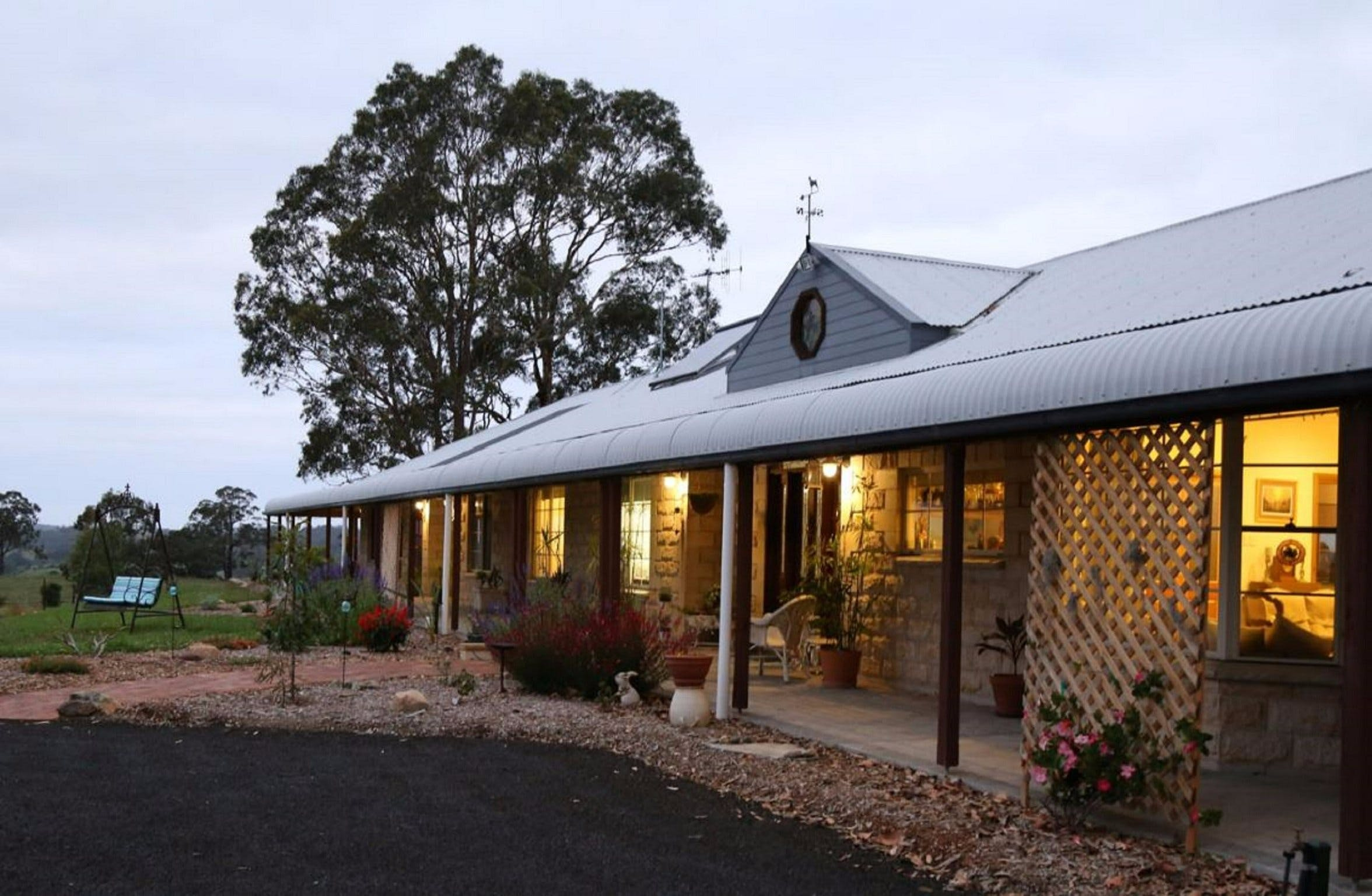 BellbirdHill Bed and Breakfast - Accommodation Whitsundays