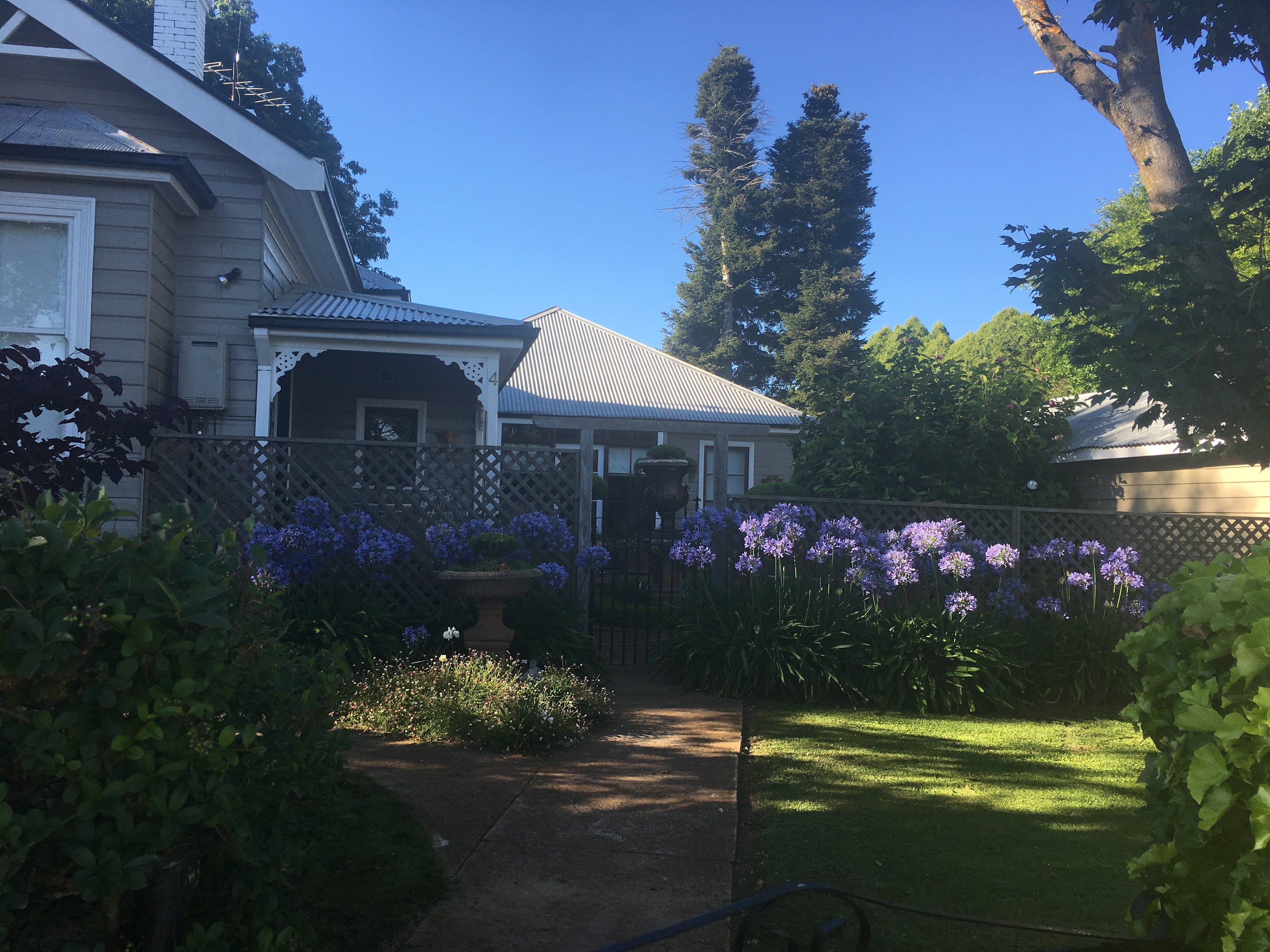 The Old Manse Bed and Breakfast - Accommodation Whitsundays