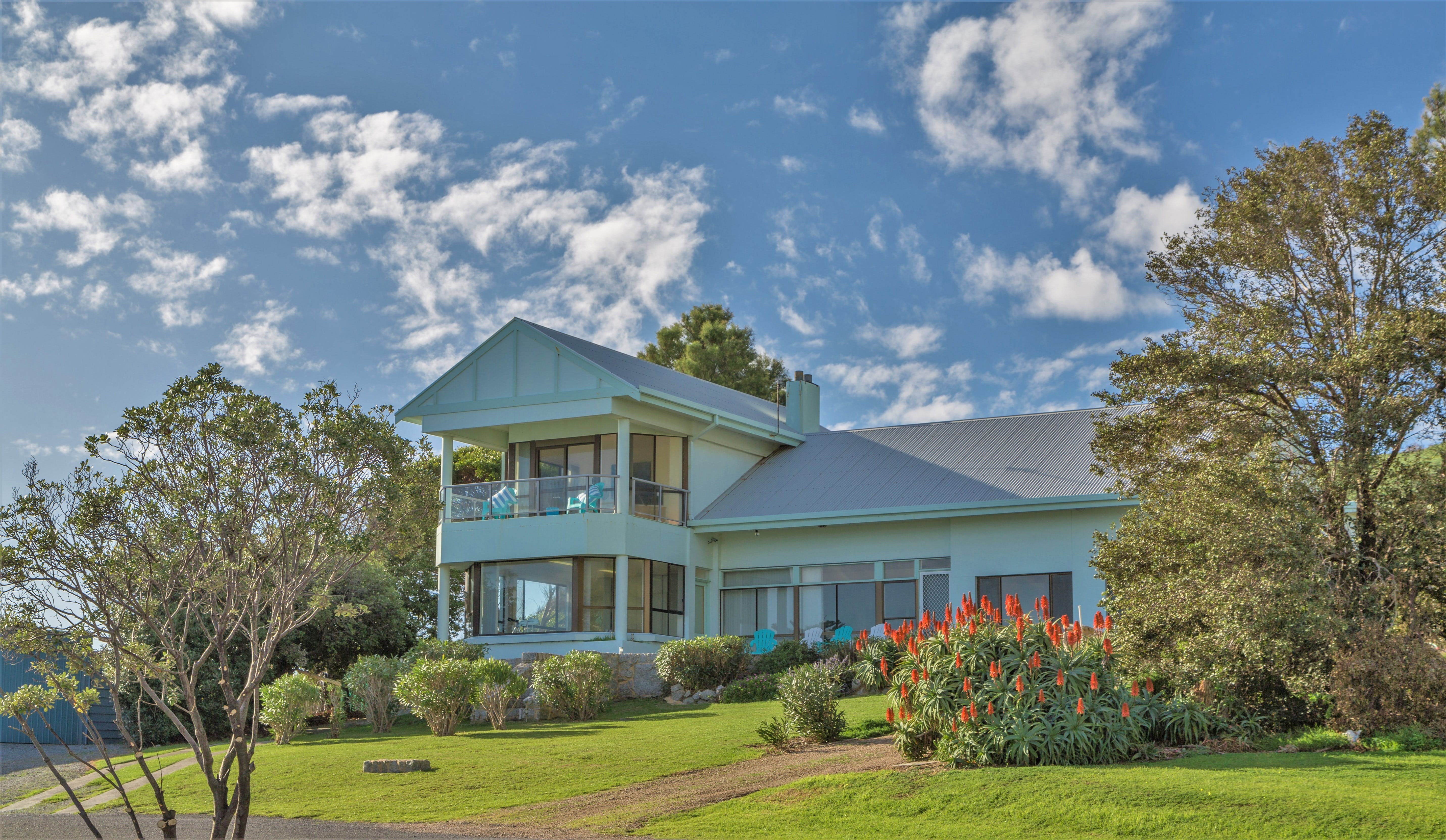 King of North Bay - Accommodation Whitsundays