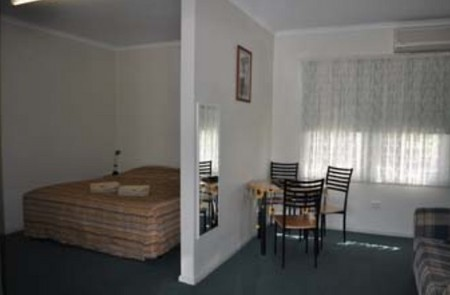 Back Obourke Accommodation - Accommodation Whitsundays