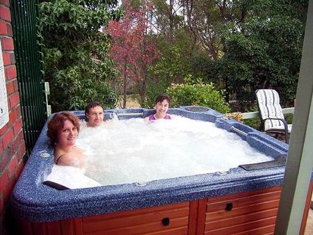 Falls Retreat Bed And Breakfast - Accommodation Whitsundays