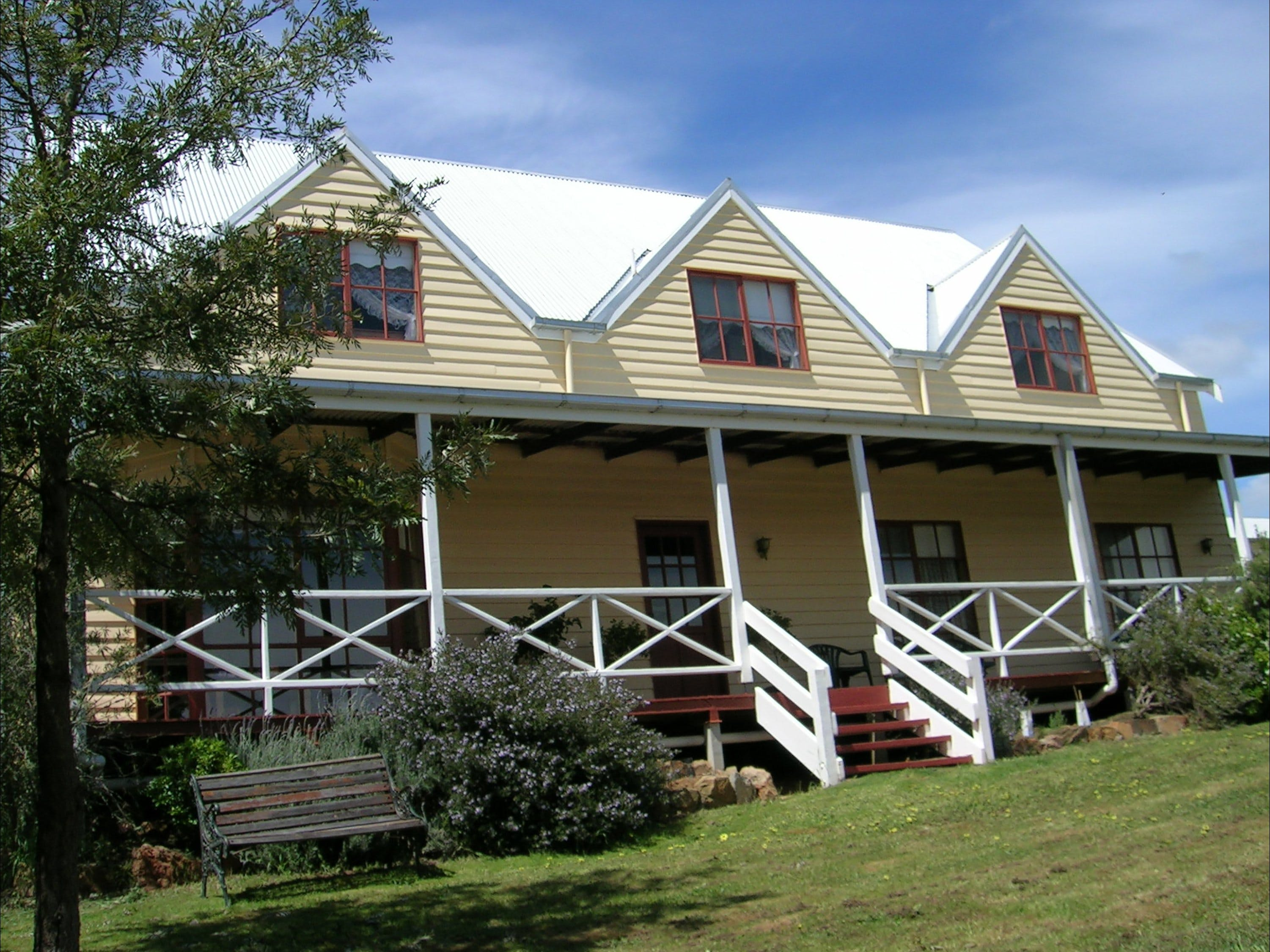 Celestine House - Accommodation Whitsundays