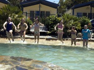 Torquay Holiday Park - Accommodation Whitsundays