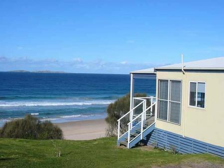 Surfbeach Holiday Park - Accommodation Whitsundays