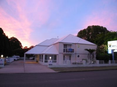 Admiral Nelson Motor Inn - Accommodation Whitsundays