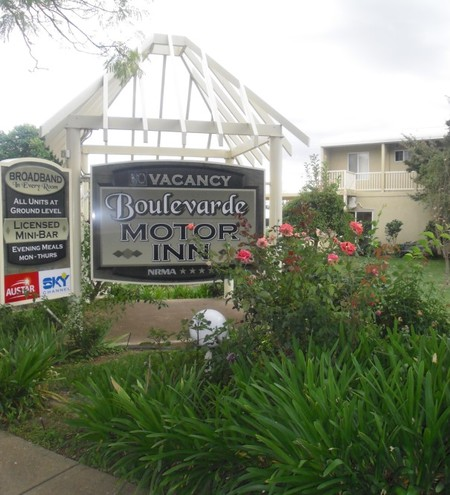 Boulevarde Motor Inn - Accommodation Whitsundays