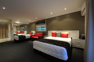 The Gateway Village Holiday Park - Accommodation Whitsundays