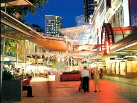 Queen Street Mall - Accommodation Whitsundays