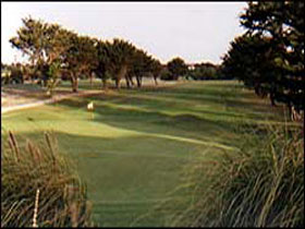 South Lakes Golf Club - Accommodation Whitsundays