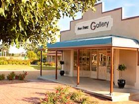 Peter Franz Fine Art Gallery - Accommodation Whitsundays