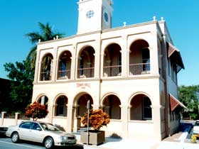 Mackay Town Hall - Accommodation Whitsundays