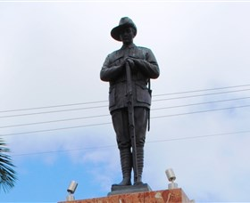 Charters Towers Memorial Cenotaph - Accommodation Whitsundays