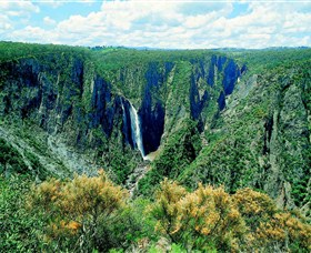 Wollomombi Falls - Accommodation Whitsundays