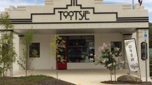 Tootsie Fine Art and Design - Accommodation Whitsundays