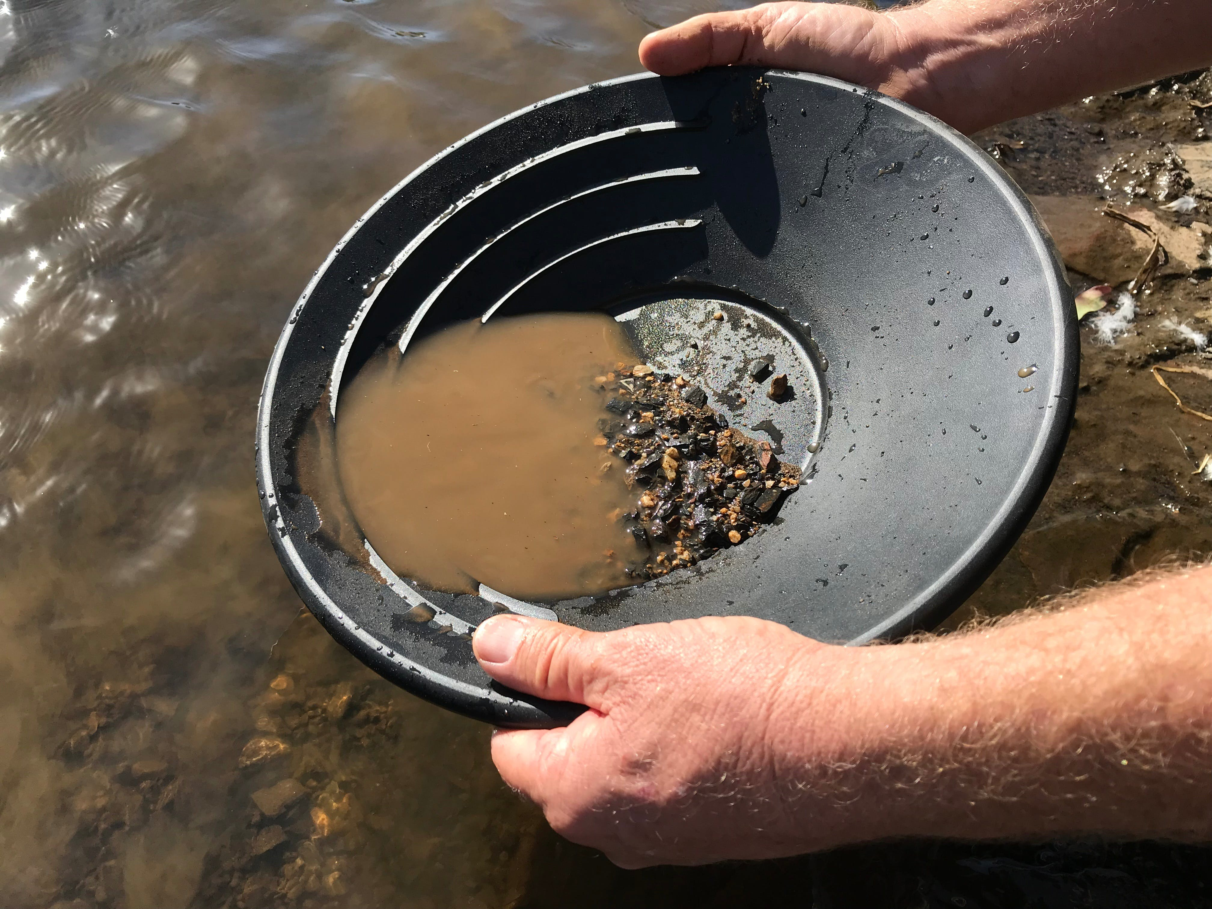Tuena Panning for Gold - Accommodation Whitsundays