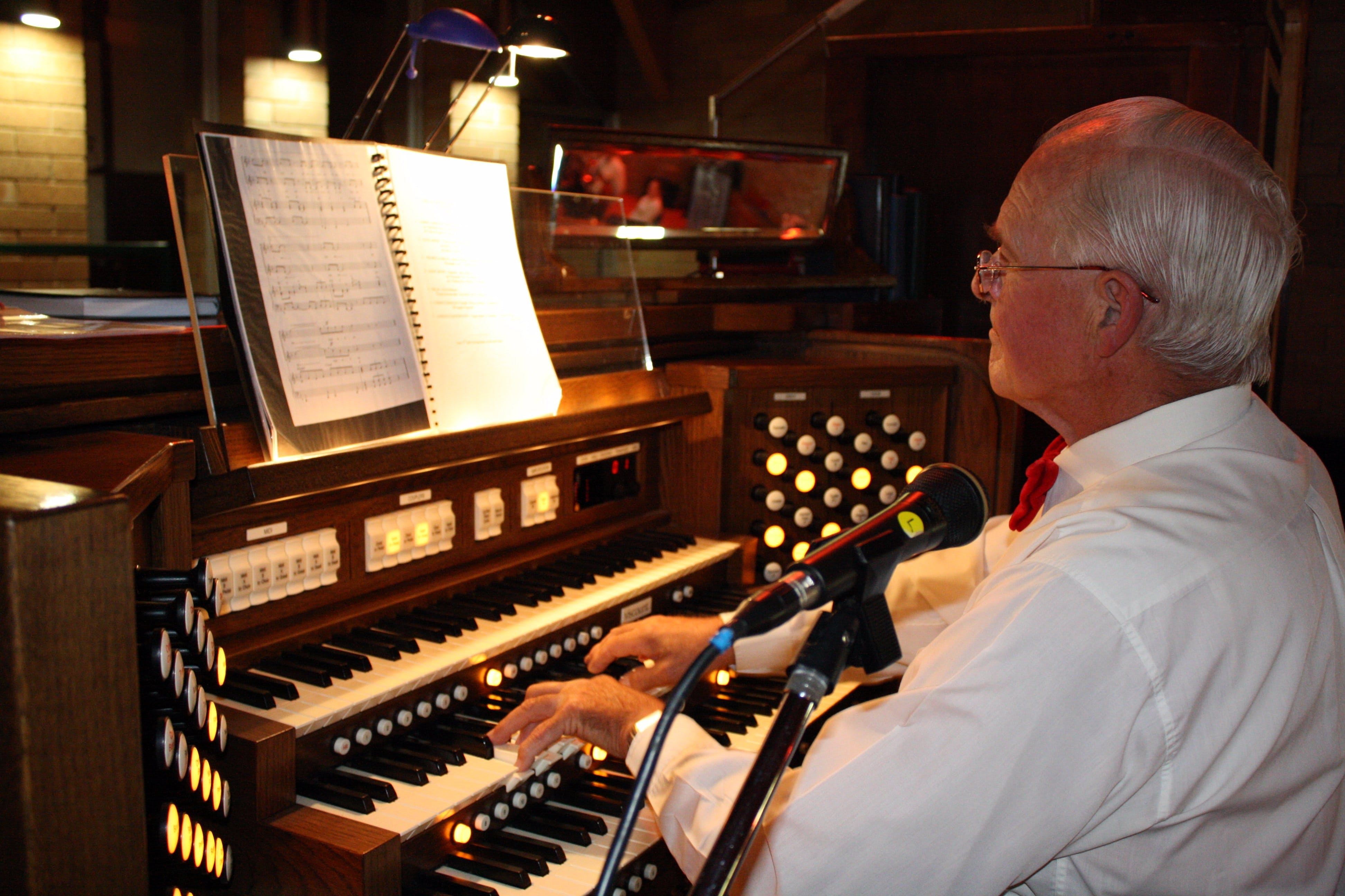 St Bartholomews Largest Digital Pipe Organ in the Southern Hemisphere - Accommodation Whitsundays