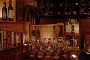 Deco Wine Bar - Accommodation Whitsundays